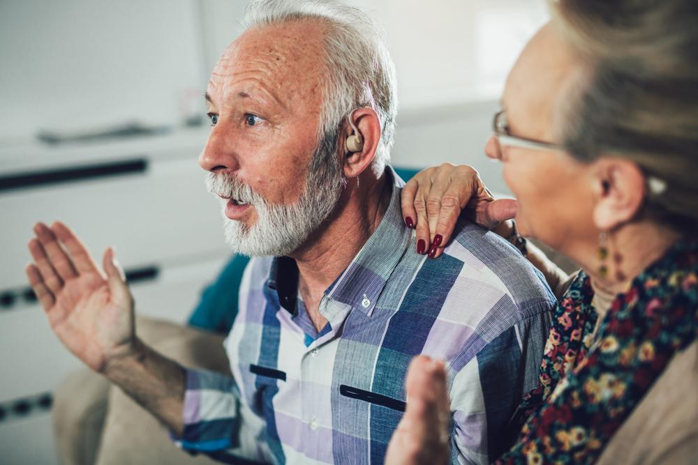 Podstawą leczenia niedosłuchu przewodzeniowego jest stosowanie odpowiednio dobranego aparatu