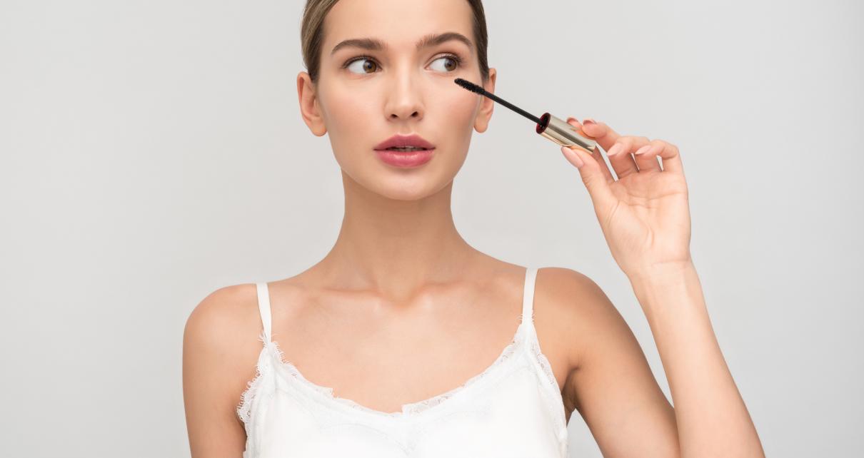makijaż a trądzik pospolity