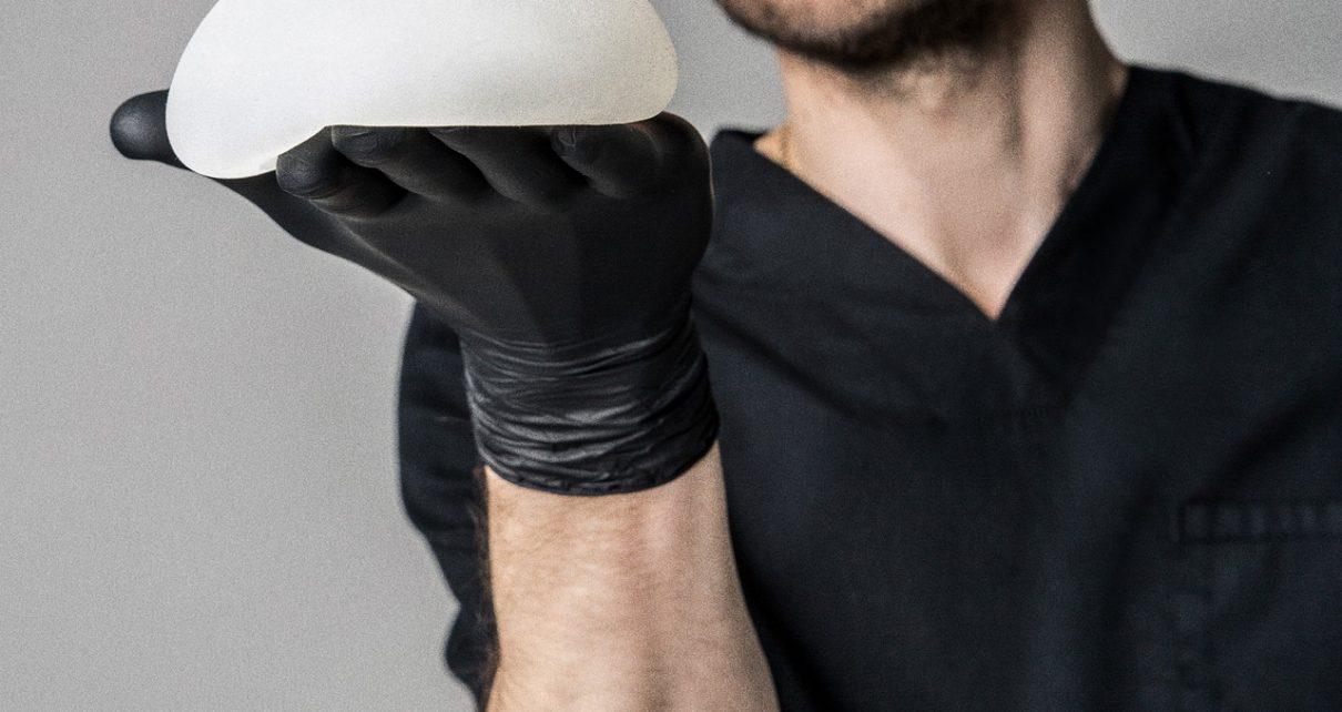 implant piersi